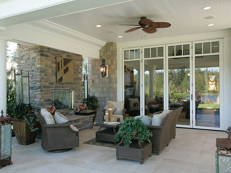 Outdoor Living Area Photo, 035P-0002